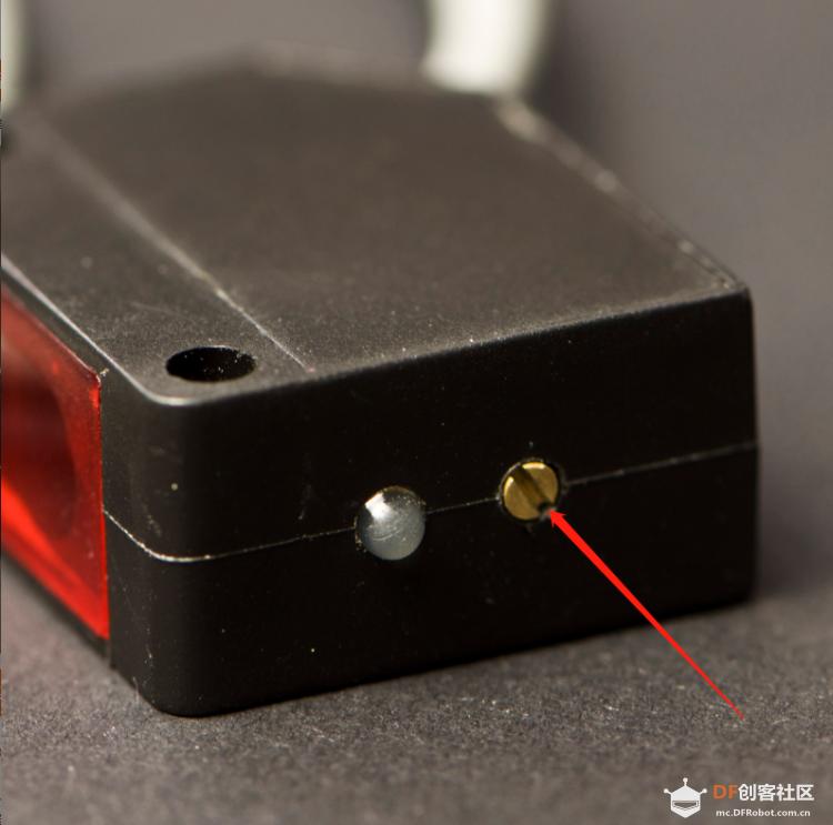 红外传感器旋钮位置.png