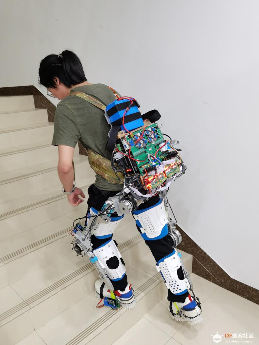 NUKA-LEX外骨骼穿戴图.jpg
