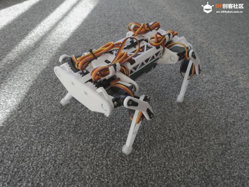 小型四足机器狗开源代码和模型