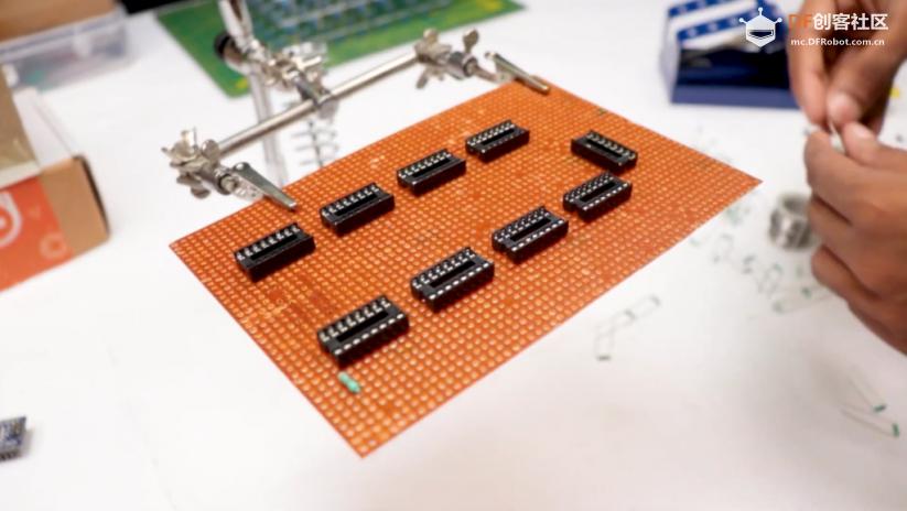 自制一个永不过时的8x8x8 LED光立方qw29.jpg