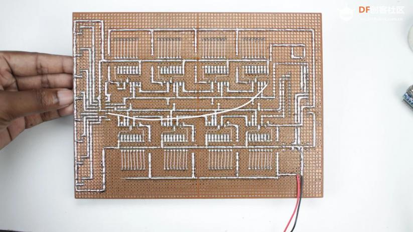 自制一个永不过时的8x8x8 LED光立方qw32.jpg