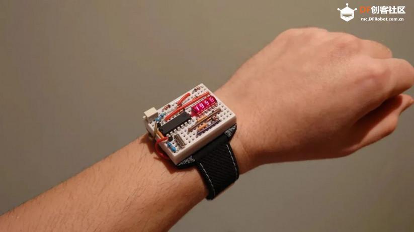 这块DIY墨水屏手表火了!外观可盐可甜,无线蓝牙计步闹钟一应俱全 | 开源qw19.jpg